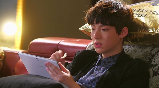48-Ahn-Jae-Hyeon-You-Who-Came-From-The-Stars-Korean-Drama-Fashion-Review-Episode-10